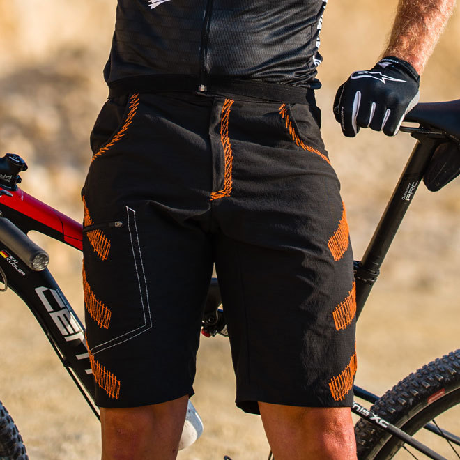 Bike Short Baggy Jedi II schwarz-orange